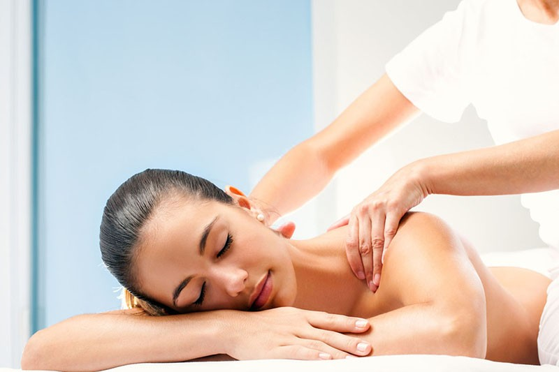 tissue sore Deep throat massage